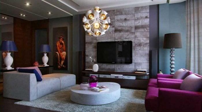 светлый фиолетовый диван в интерьере коридора