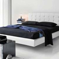 светлая белая мебель в дизайне спальни картинка