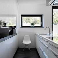 светлая белая мебель в дизайне гостиной картинка