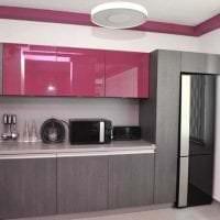темный интерьер элитной кухни в стиле классика картинка