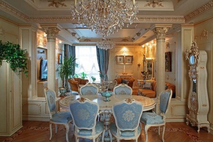 красивый декор ванной в стиле барокко