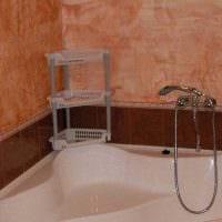 вариант яркой декоративной штукатурки в декоре ванной комнаты фото