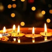 идея красивого декора свечей своими руками картинка