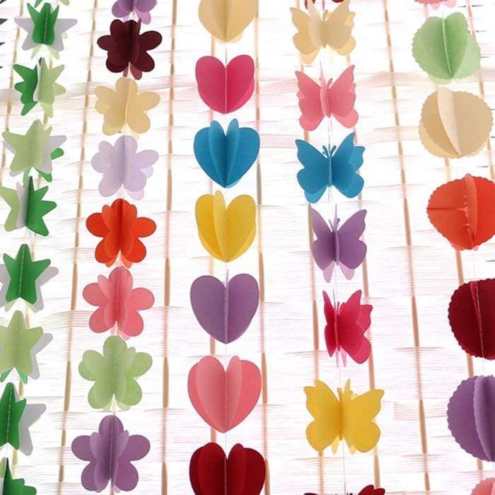 идея красивого декорирования праздника бумагой