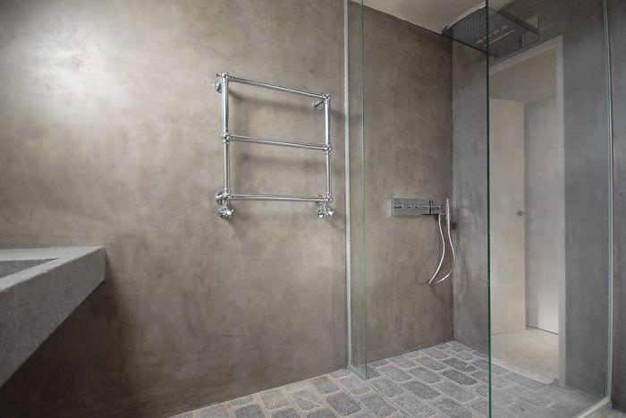 идея яркой декоративной штукатурки в декоре ванной