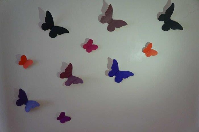 идея красивого декорирования комнаты бумагой
