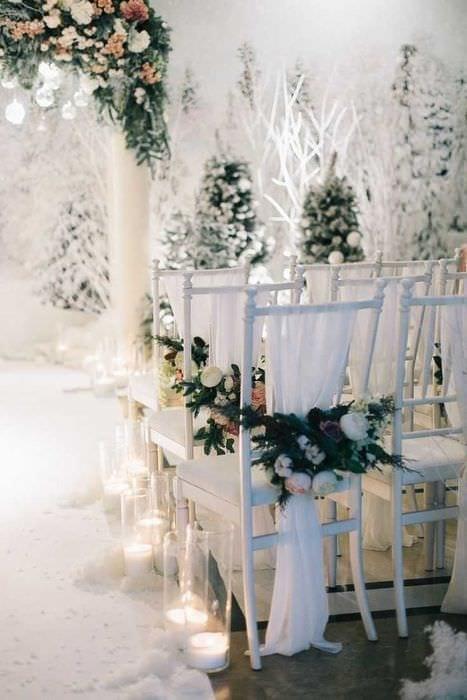 вариант красивого декора стульев
