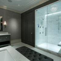 идея яркой декоративной штукатурки в интерьере ванной комнаты фото