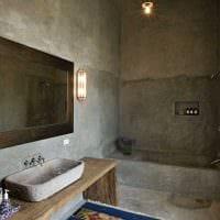 вариант яркой декоративной штукатурки в декоре ванной картинка