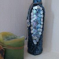 идея оригинального декора бутылок из кожи своими руками фото