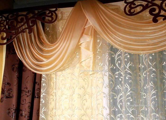 идея яркого оформления штор своими руками