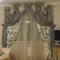 классическое украшение окон шторами картинка