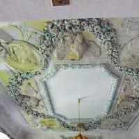 красивое оформление потолка аксессуарами картинка