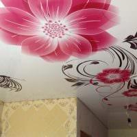 яркое декорирование потолка дополнительном светом картинка
