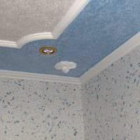 классическое декорирование потолка рисунком фото