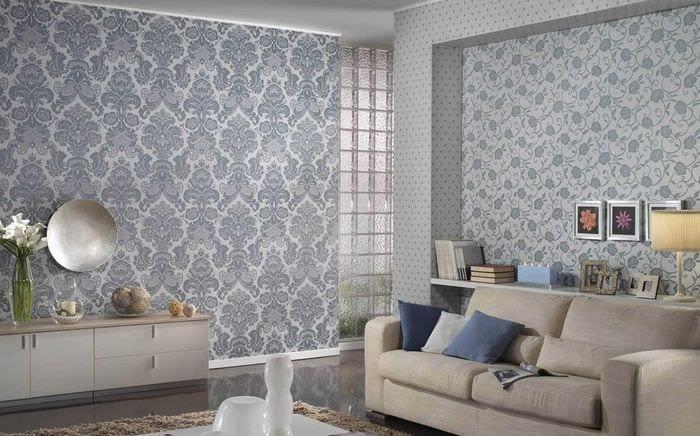 комбинирование оригинальных обоев в декоре гостиной комнаты