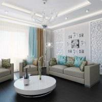 сочетание оригинальных обоев в дизайне гостиной фото