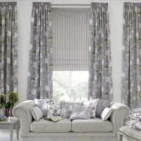 комбинирование ярких штор в дизайне гостиной фото