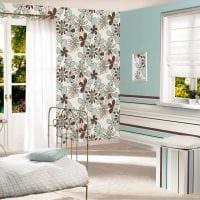 сочетание светлых штор в фасаде комнате картинка