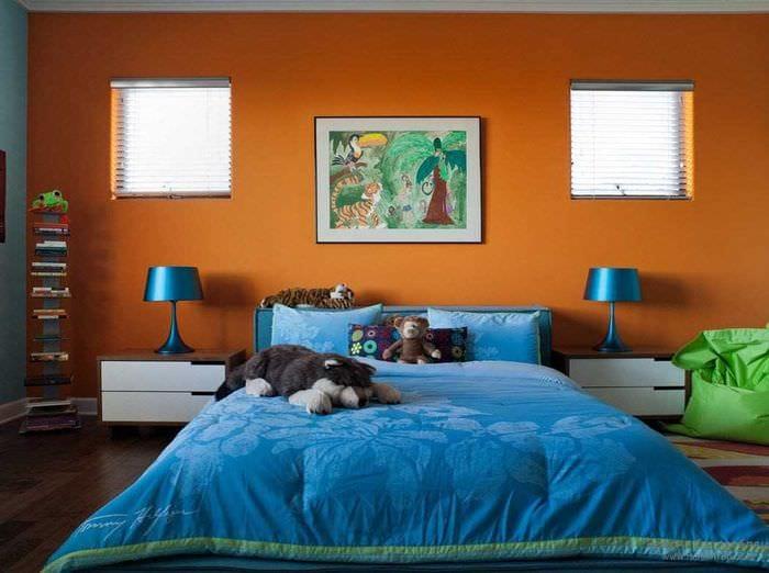 сочетание светлых тонов в интерьере спальни