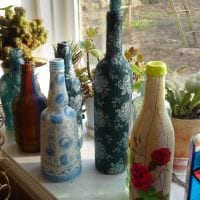 необычное украшение бутылок для дизайна комнаты картинка