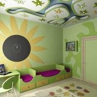 светлое оформление потолка дополнительном светом фото