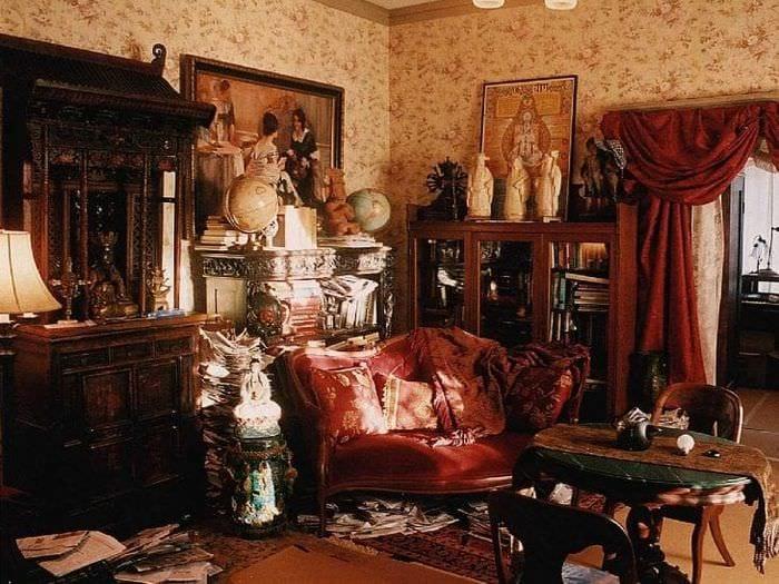 необычный декор гостиной в викторианском стиле