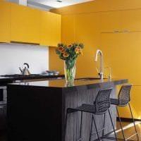 необычный дизайн квартиры в горчичном цвете картинка