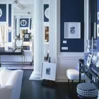 яркий интерьер квартиры в греческом стиле картинка