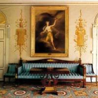 необычный декор комнаты в стиле ампир картинка