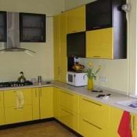 яркий интерьер квартиры в горчичном цвете фото