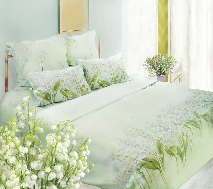 яркий декор гостиной в весеннем стиле