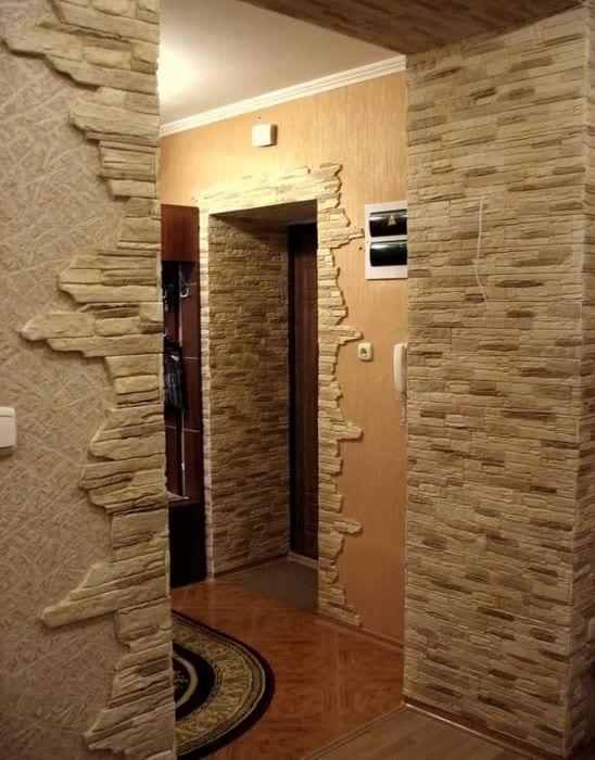 яркий гибкий камень в интерьере спальни