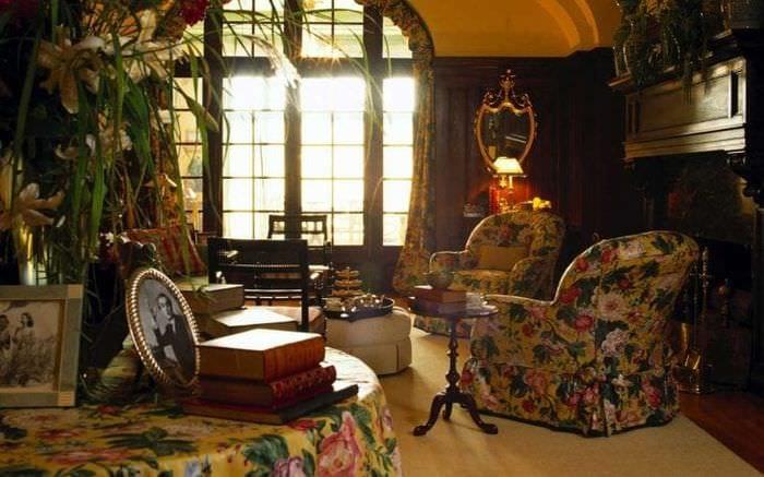 темный стиль квартиры в викторианском стиле