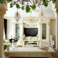 необычный интерьер гостиной в греческом стиле фото