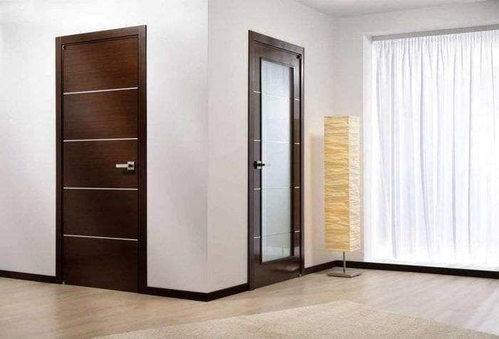 деревянные двери в стиле дома