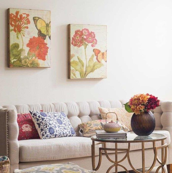 необычное украшение интерьера комнаты в стиле прованс