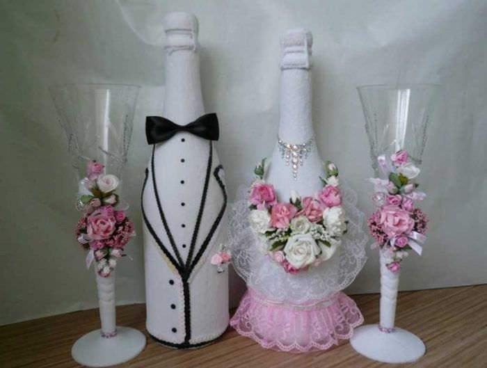 яркое декорирование бутылок шампанского декоративными ленточками