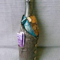 яркое украшение бутылок для интерьера квартиры фото