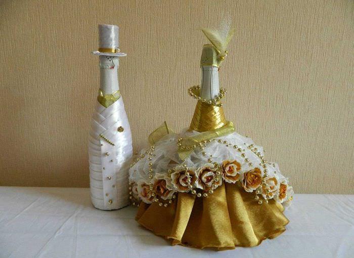 Варианты украшения свадебных бутылок своими руками 85
