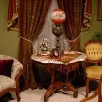 темный интерьер спальни в викторианском стиле фото