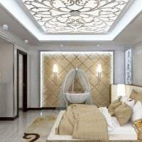 светлый дизайн комнаты со стеновыми панелями картинка