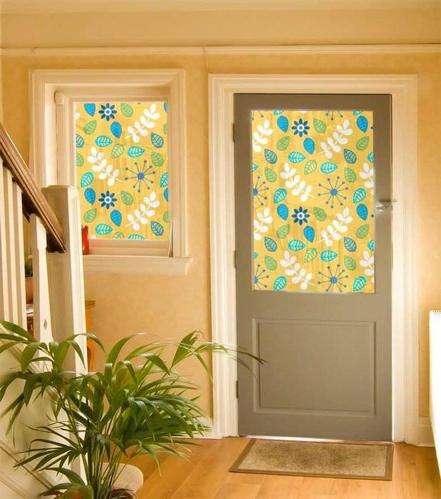 оригинальное декорирование дверей своими руками