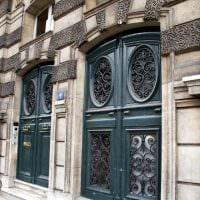 необычное украшение межкомнатных дверей подручными материалами фото