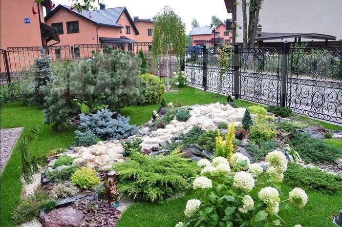 оригинальное оформление дизайна загородного дома цветами