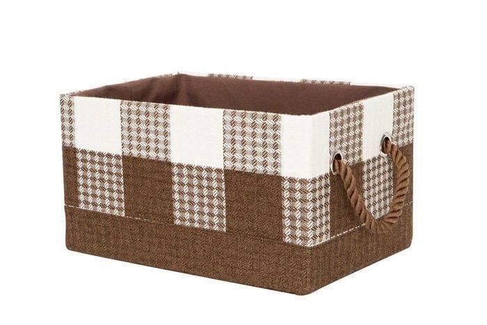 яркое декорирование картонных коробок подручными материалами