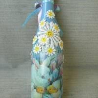 необычное украшение бутылок для дизайна комнаты фото