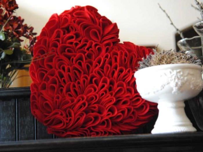 необычное декорирование квартиры своими руками на день святого валентина