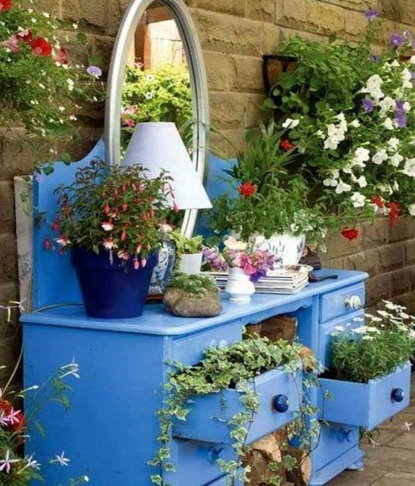 Украшения на садовый участок своими руками