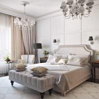 светлый интерьер гостиной со стеновыми панелями фото